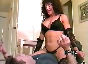 Robust Lap Dancer Crushes His Head