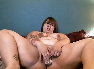 Onyxcoffin wants to fuck her master!