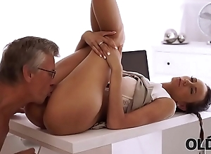OLD4K. Secretary and venerable dad interrupted work to have sex in office