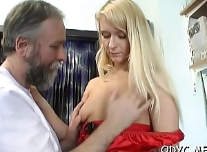 Old guy knows how to make a sweet young snatch super wet