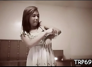 Asian whore makes a guy animating with her awesome engulfing skills
