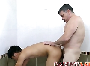 Horny daddy raw dicking Asian young twink mulish
