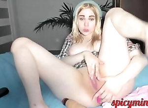 Plump Blonde spreads her legs