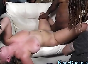 Group cuckolding babe