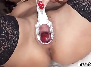 Flirty czech kitten stretches her slim vulva to the strange