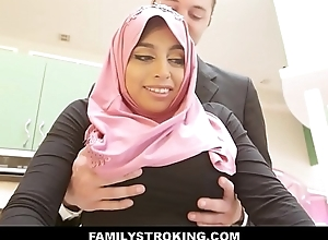 Thick Big Ass Virgin Muslim Teen Step Daughter Ella Knox Has Intercourse Just about Step Dad After He Accidentally Mistakes Her For Her Mom