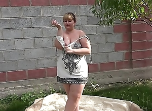 Anal masturbation in the overused outdoors, a bbw is entertained with a sex toy and shakes a big booty.